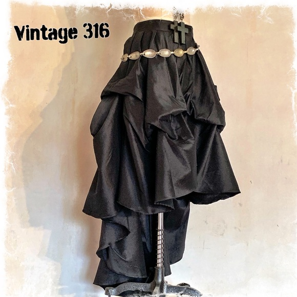 Vintage 316 Dresses & Skirts - Drama Queen 🖤 High Low Bustle Skirt